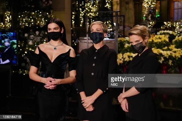 "Kristen Wiig"" Episode 1794 -- Pictured: Musical guest Dua Lipa, host Kristen Wiig, and Kate McKinnon during Promos in Studio 8H on Thursday, December..."