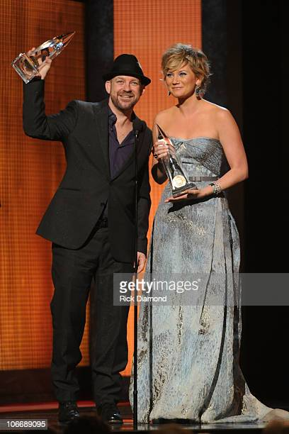 Kristian Bush and Jennifer Nettles of Sugarland accept award for Vocal Duo of the Year at the 44th Annual CMA Awards at the Bridgestone Arena on...