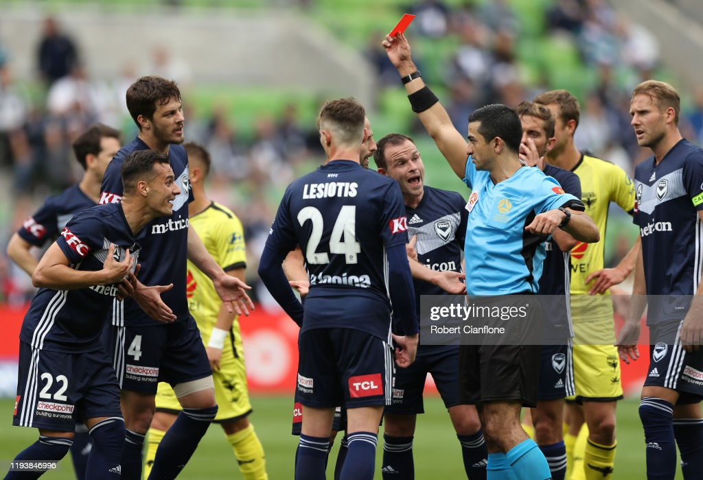 A-League Rd 10 - Melbourne v Wellington : News Photo