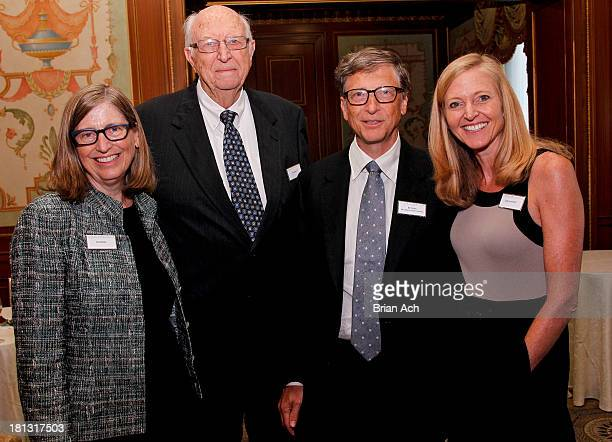 Kristianne Gates Blake, Bill Gates Sr., Bill Gates and Elizabeth Gates Armintrout are seen during the The Lasker Awards 2013 on September 20, 2013 in...