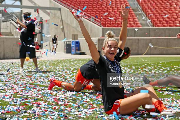 Kristie Mewis of Houston Dash celebrates after the Dash defeat the Chicago Red Stars in the championship game of the NWSL Challenge Cup at Rio Tinto...