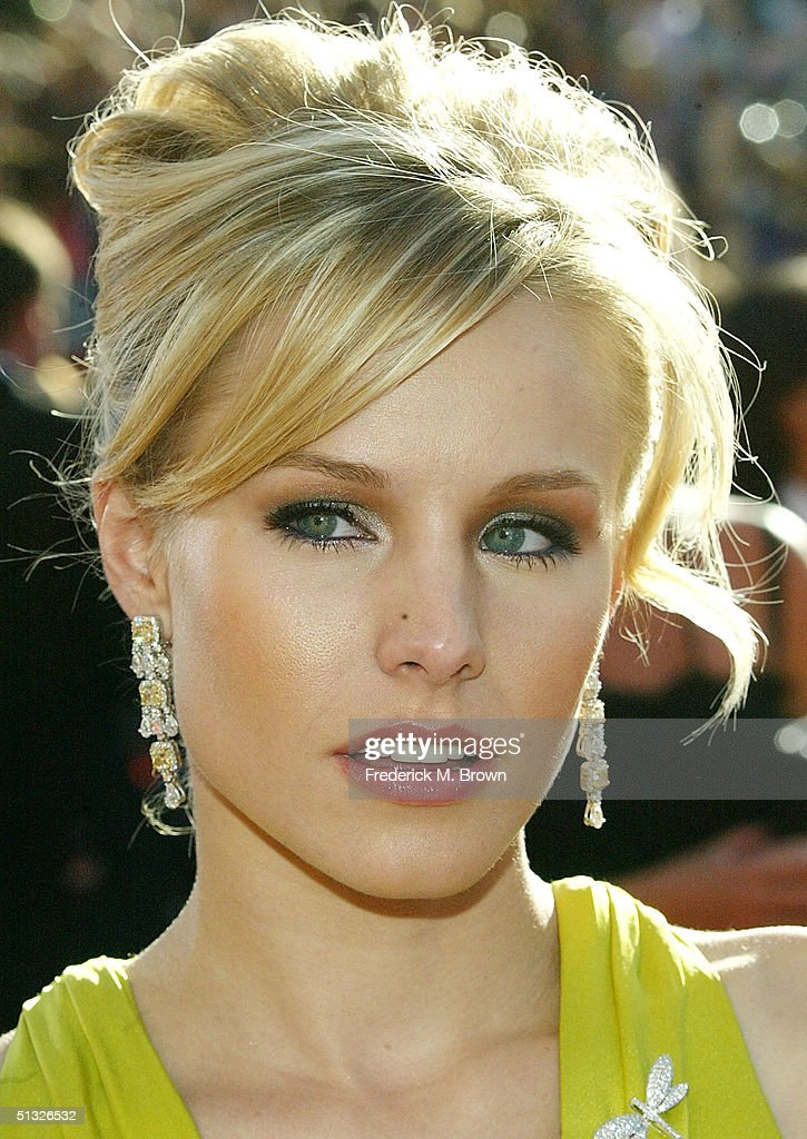 Kristin Bell attends the 56th Annual Primetime Emmy Awards at the Shrine Auditorium September 19, 2004 in Los Angeles, California.