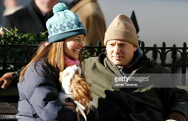 Kristin Davis and Evan Handler during Kristin Davis on the Set of 'Sex and the City' December 12 2003 at 23rd and Broadway Dogwalk in New York City...