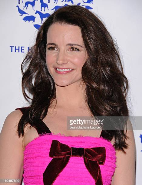 Kristin Davis arrives at the 25th Anniversary Genesis Awards hosted by the Humane Society of the United States held at the Hyatt Regency Century...