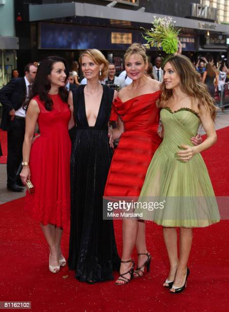 Kristin Davis Cynthia Nixon Kim Catrall and Sarah Jessica Parker arrive at the World Premiere of Sex And The City held at the Odeon Leicester Square...