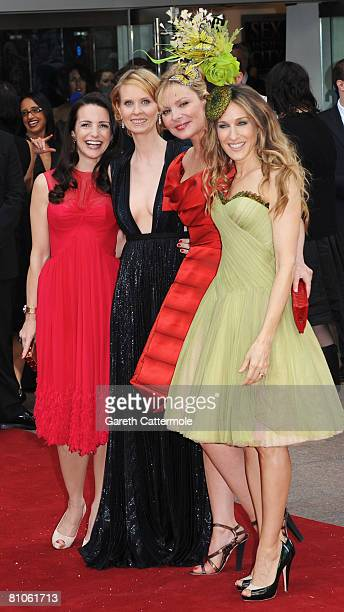 Kristin Davis Cynthia Nixon Kim Catrall and Sarah Jessica Parker attend the World Premiere of 'Sex And The City' held at the Odeon Leicester Square...