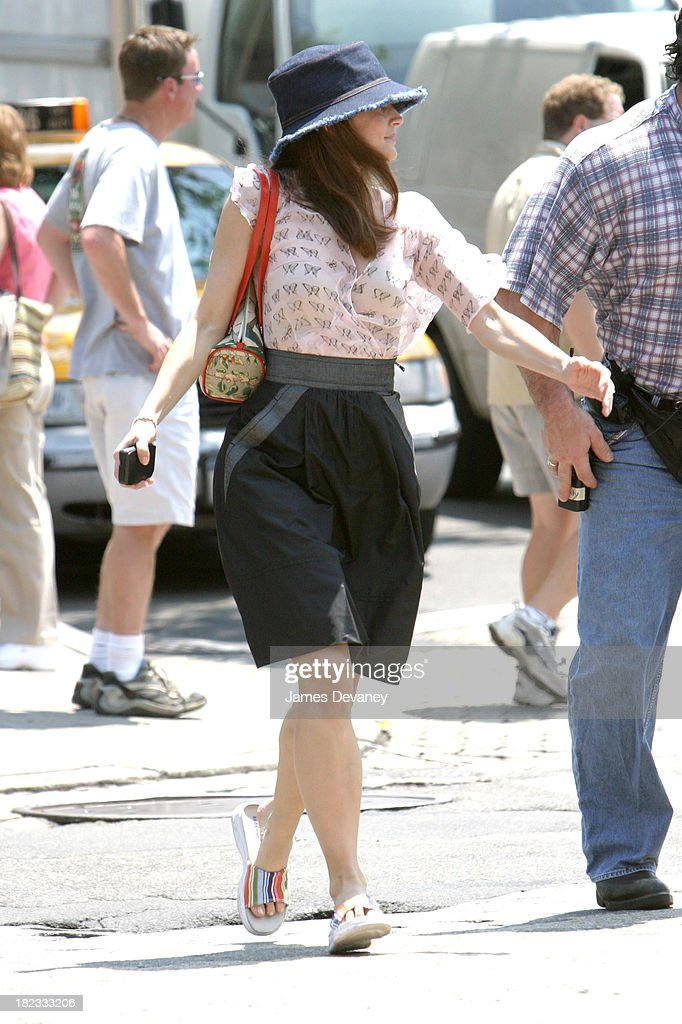 Kristin Davis during Sex And The City Cast on Location in Soho at Soho in New York City, New York, United States.