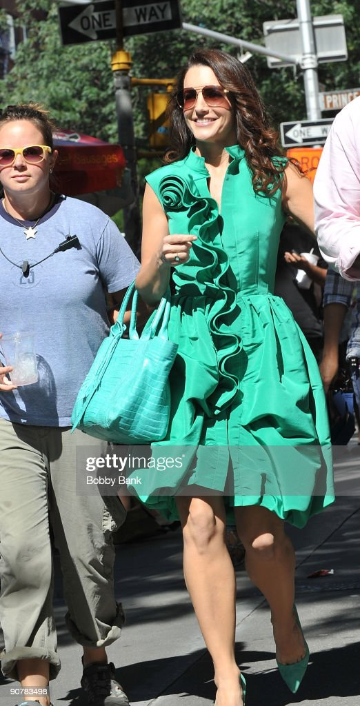 Kristin Davis filming on location for 'Sex And The City 2' on the streets of Manhattan on September 14, 2009 in New York City.
