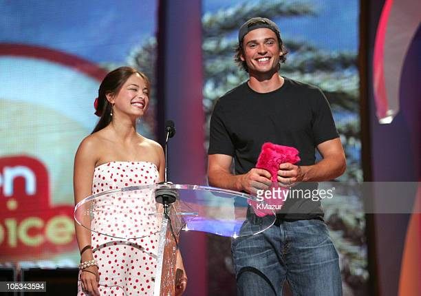 Kristin Kreuk and Tom Welling during The 2004 Teen Choice Awards Show at Universal Amphitheatre in Universal City California United States
