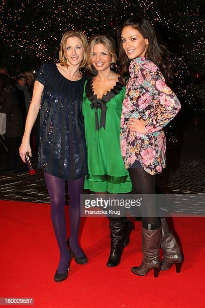 """Kristin Meyer, Susan Sideropoulos Und Janina Uhse Bei Der Premiere Von """"Tintenherz"""" Im Cinestar In Berlin ."""