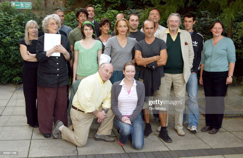 Kristin Scott Thomas (centre) and Bob Hoskins (front) with the rest of the cast