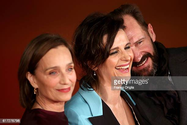 Kristin Scott Thomas, Juliette Binoche and Ralph Fiennes walk a red carpet for 'The English Patient - Il Paziente Inglese' during the 11th Rome Film...