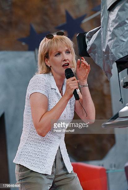 Kristina Bach Hollymünd WDRKölnBocklemünd Auftritt Sonnenbrille