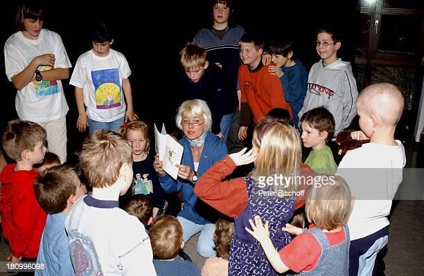 Kristina Böhm , Tochter Tanja , Tochter Jasmin , , Kinder die Patienten oder Angehörige von Patienten sind, Lesung aus dem neuen Kinderbuch von...