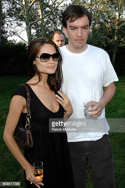 Kristina Ratliff and attend ACRIA and BANANA REPUBLIC Host COCKTAILS AT SUNSET at The Home of Ross Bleckner on July 7 2007 in Sagaponack NY