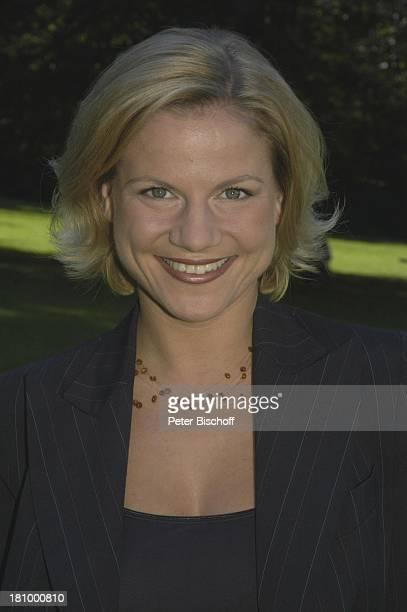 Kristina Sprenger Portrait Porträt ZDFSerie Soko Kitzbühel Folge Die Braut und der Tod alter Titel Eine Hochzeit und ein Todesfall StMartin/Lofer/...