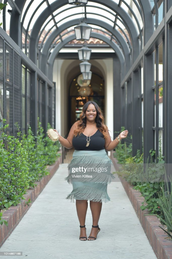 Kristine Thompson attends SIMPLY LA Speaker's Dinner At