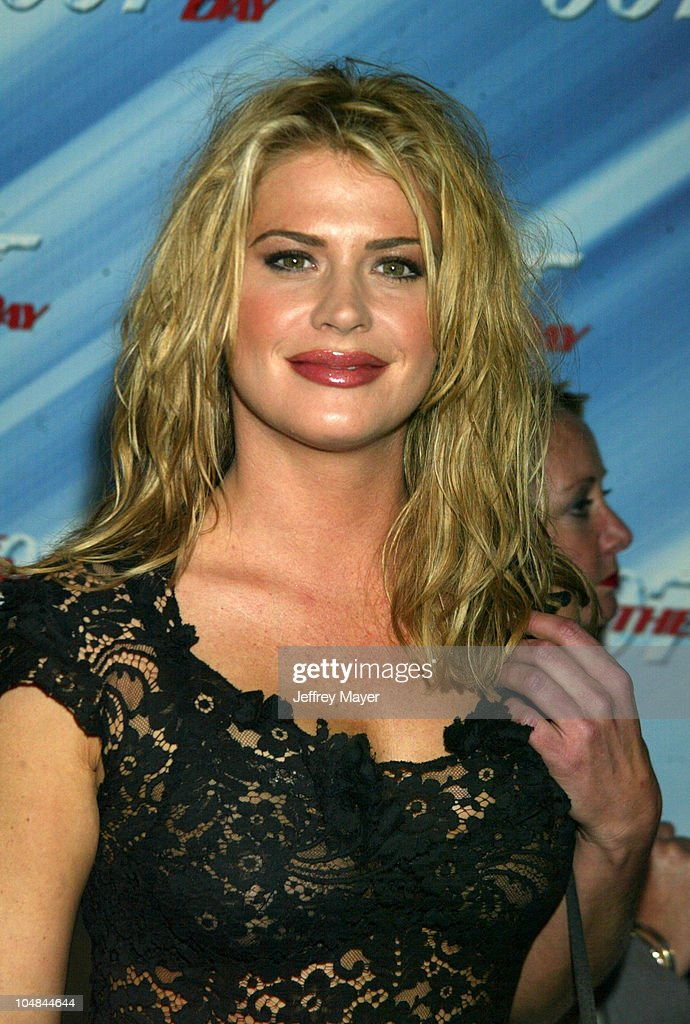 """""""Die Another Day"""" - Los Angeles Premiere : News Photo"""