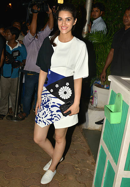 Kriti Sanon at the success bash hosted by Varun Dhawan and Shraddha Kapoor for their movie ABCD 2 in Mumbai