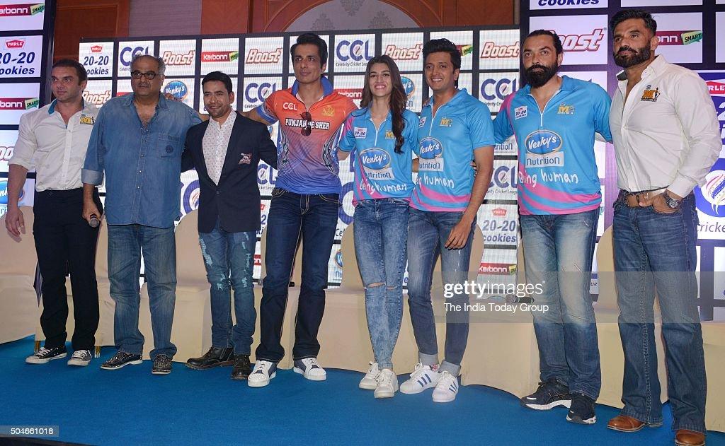Kriti Sanon Riteish Deshmukh Bobby Deol Boney Kapoor Sohail Khan Dinesh Lal Yadav Sonu Sood and Suniel Shetty at press conference for the Celebrity...