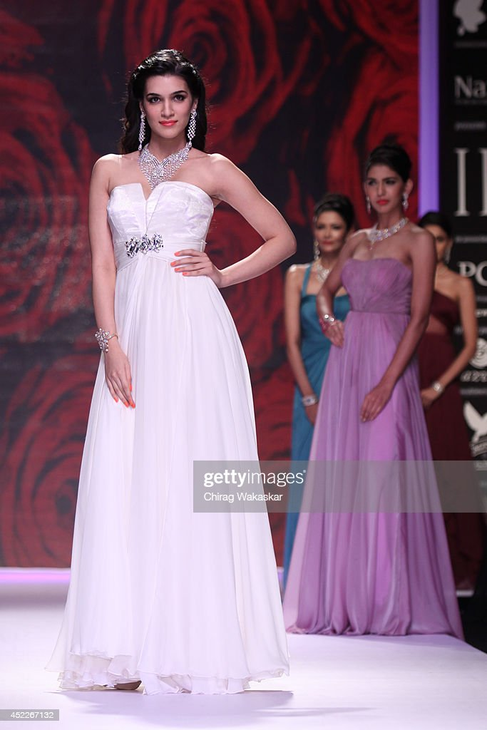 Kriti Sanon walks the runway at the Mahabir Jrwellers show during day three of the India International Jewellery Week 2014 at Grand Hyatt on July 16..