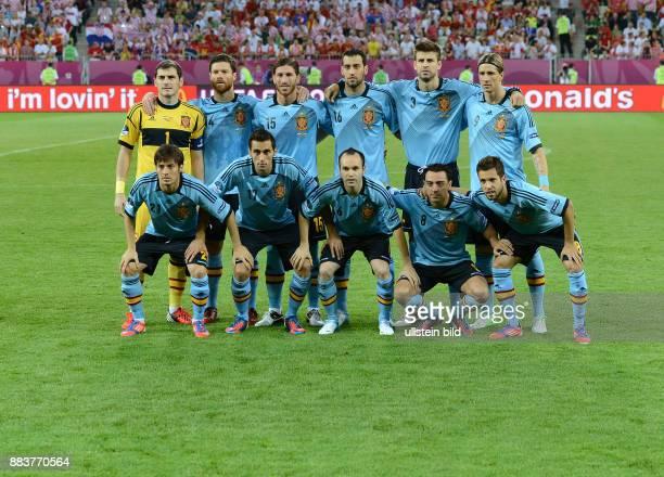 FUSSBALL EUROPAMEISTERSCHAFT Kroatien Spanien Torwart Iker Casillas Xabi Alonso Sergio Ramos Sergio Busquets Gerard Pique Fernando Torres Vorder...