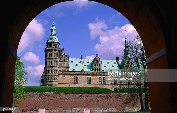kronborg castle built in the 16th century, helsingor, frederiksborg, denmark, europe - frederiksborg castle stock pictures, royalty-free photos & images