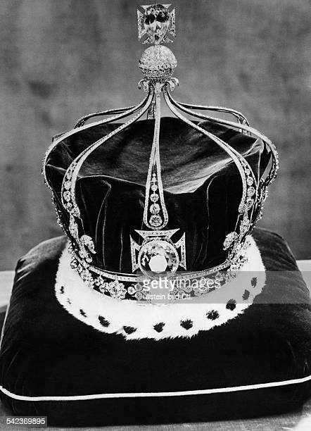 Krone der Königin Mary von Englandvorne der Diamant 'Kohinoor'