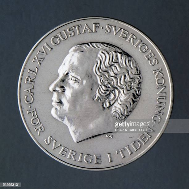 200 kronor coin obverse Carl XVI Gustaf Sweden 20th century