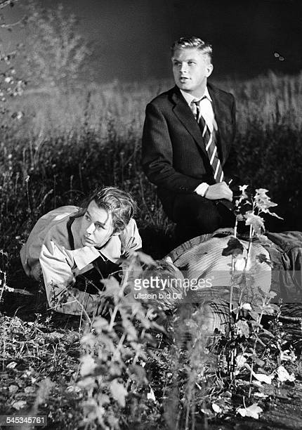Krueger Hardy Actor writer Germany * Scene from the movie 'Der Fuchs von Paris' with Marianne Koch Directed by Paul May Germany / France 1957 Vintage...