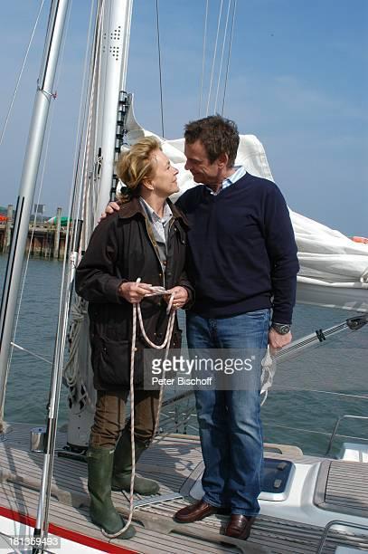 Krystian Martinek Gila von Weitershausen ARDFilm Freie Fahrt ins Glück alter Titel Irrwege zum Glück NordseeInsel Amrum Deutschland