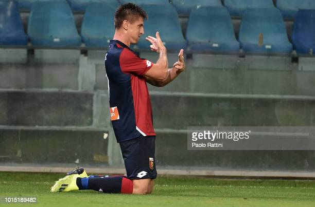 Krzsysztof Piatek of Genoa celebrate after score during the Coppa Italia match between Genoa CFC and Lecce at Stadio Luigi Ferraris on August 11 2018...