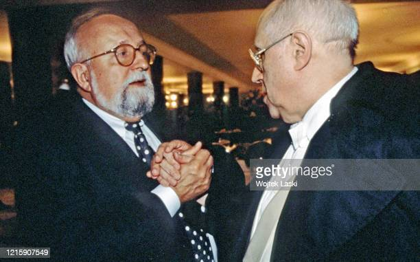 Krzysztof Penderecki and Mstislav Rostropovich meet in Moscow