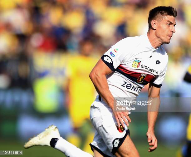 Krzysztof Piatek in action during the Serie A match between Frosinone Calcio and Genoa CFC at Stadio Benito Stirpe on September 30 2018 in Frosinone...