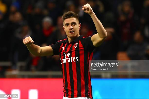 Krzysztof Piatek of AC Milan celebrates after scoring the opening goal during the Coppa Italia match between AC Milan and SSC Napoli at Stadio...