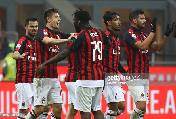 Krzysztof Piatek of AC Milan celebrates his goal with his teammates during the Serie A match between AC Milan and Cagliari at Stadio Giuseppe Meazza...
