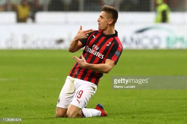 Krzysztof Piatek of AC Milan celebrates his second goal during the Coppa Italia match between AC Milan and SSC Napoli at Stadio Giuseppe Meazza on...