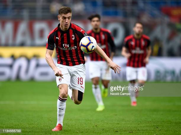 Krzysztof Piatek of AC Milan in action during the Serie A football match between AC Milan and Udinese Calcio The match ended in a 11 tie