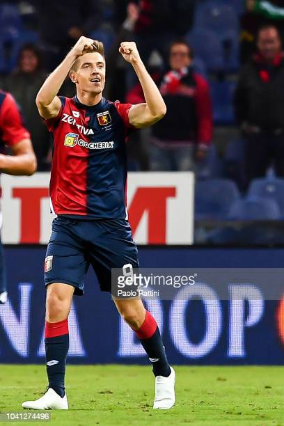 Krzysztof Piatek of Genoa celebrates after scoring 10 during the serie A match between Genoa CFC and Chievo Verona at Stadio Luigi Ferraris on...