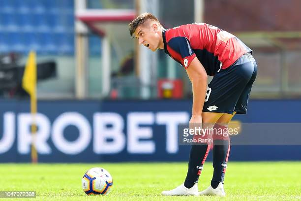 Krzysztof Piatek of Genoa reacts with disappointment after Luca Siligardi of Parma has scored a goal during the Serie A match between Genoa CFC and...