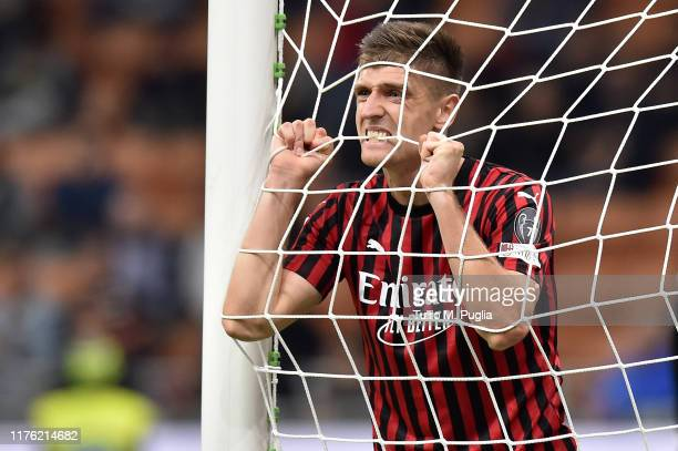 Krzysztof Piatek of Milan shows his dejection during the Serie A match between AC Milan and FC Internazionale at Stadio Giuseppe Meazza on September...