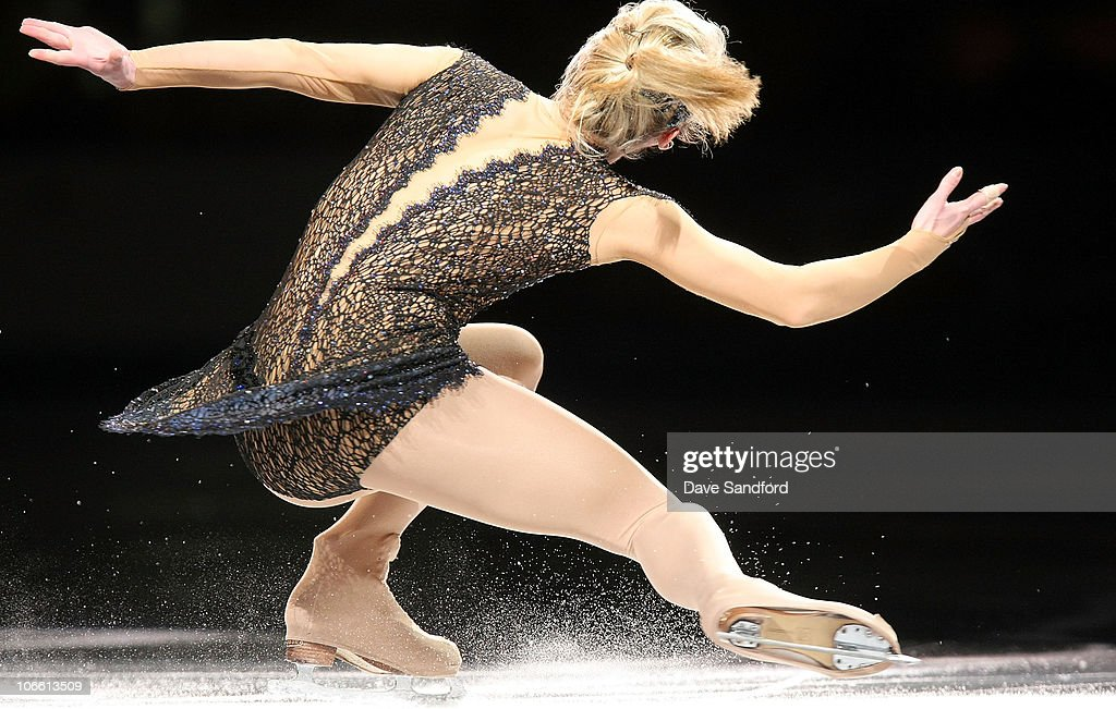 https://media.gettyimages.com/photos/ksenia-makarova-of-russia-skates-in-the-exhibition-gala-during-2010-picture-id106613509