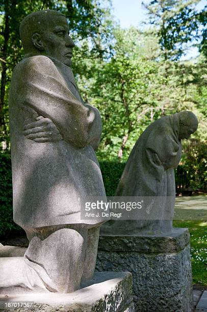 CONTENT] Käthe Kollwitz lost her youngest son Peter on the battlefield in World War I in October 1914 prompting a prolonged depression By the end of...