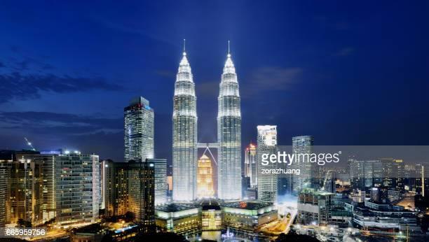 cidade de kuala lumpur, malásia - torres petronas - fotografias e filmes do acervo