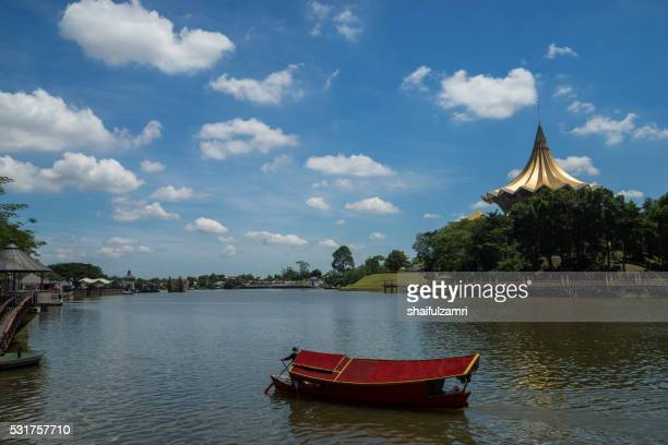 kuching, capital of the state of sarawak is a bustling, diverse city of old colonial buildings and modern towers. along its sarawak river waterfront are shophouses selling handicrafts and foods. - shaifulzamri stock pictures, royalty-free photos & images