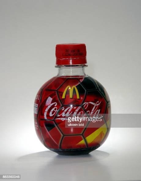 Kugelflasche Von Coca Cola Und Mcdonalds Zur Fussball Wm