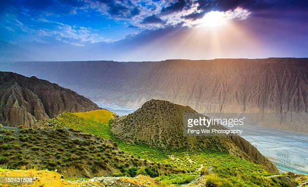 kuitun grand canyon - tien shan mountains stock pictures, royalty-free photos & images