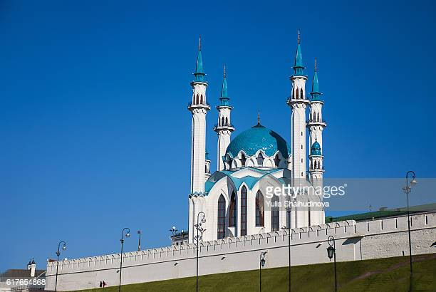 kul sharif mosque at kazan kremlin - kul sharif mosque stock pictures, royalty-free photos & images