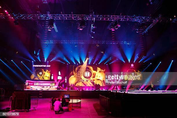 """Kulisse der RTL II-Musikshow """"The Dome"""" 55, TUI-Arena, Hannover, Niedersachsen, Deutschland, Europa, Bühne, Scheinwerfer, Logo, Promi BB, FTP; P.-Nr:..."""