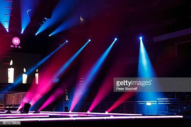 """Kulisse der RTL II-Musikshow """"The Dome"""" 55, TUI-Arena, Hannover, Niedersachsen, Deutschland, Europa, Bühne, Scheinwerfer, Promi BB, FTP; P.-Nr:..."""
